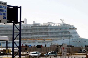 6,000 passengers stuck on cruise ship over coronavirus fears