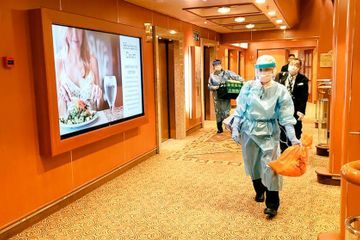 China opens new hospitals for virus patients, deaths top 560