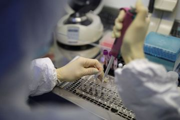 2 Russians flee virus quarantine, in dismay at hospitals
